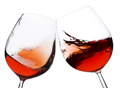 Consejos para elegir bebidas sin tanta culpa en estas festividades
