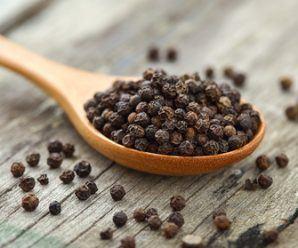 Pimienta negra para perder peso, un adelgazante natural ideal