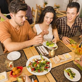 Acudir a una reunión o fiesta estando a dieta