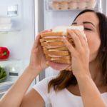 Comer de más: Razones por las que lo haces y cómo evitarlo